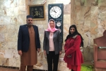 of Victoria at Merton Street Mosque with Yasmin Kaduji of Banbury Chamber of Commerce and B Hassan Hanif, Chairman of Banbury Madni Masjid.